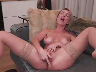 MILF with DSL fucks her ass and pussy anal mature pornstar video