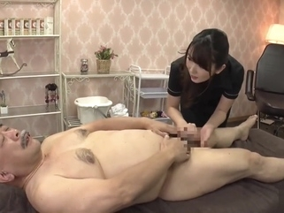 帅老头被舔全身(asian old man)-1 asian brunette hd video