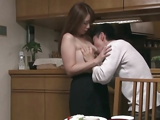 A Weekend With My Aunt mature japanese milf video